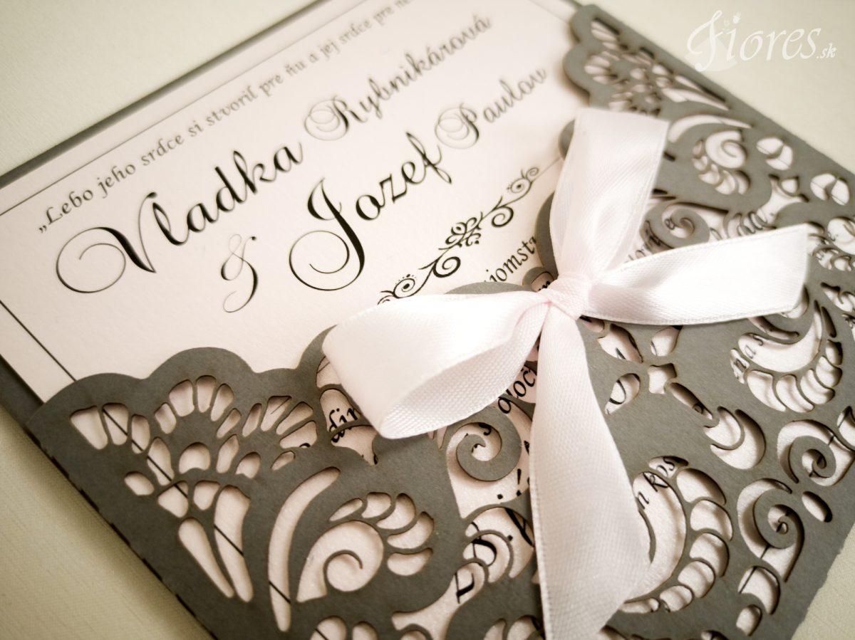 """Vyrezávané svadobné oznámenie """"Jemnosť v sivej"""" - Detail"""