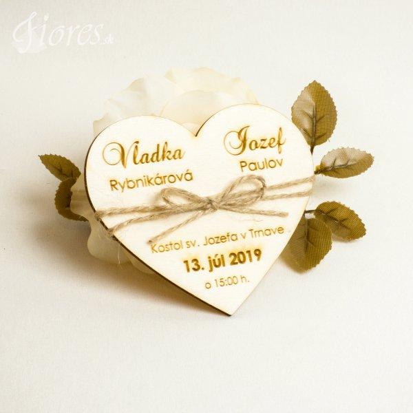 """Drevené gravírované svadobné oznámenia """"Jemné srdce"""""""