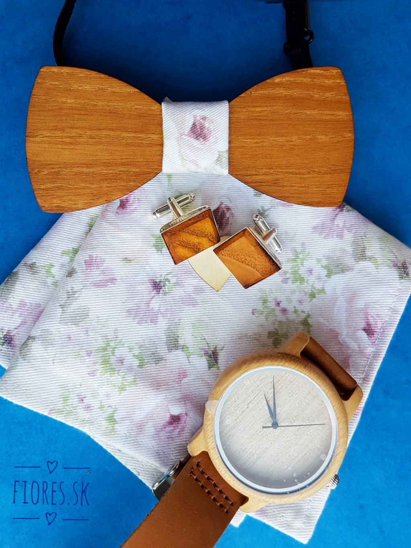 Elegantný drevený set - motýlik hodinky manžetové gombíky vreckovka